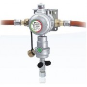 Regulador VERTICAL de gas DUO CONTROL CS de Truma